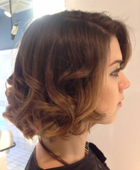 Hair coloured using Wella Freelights to achieve a medium brown to sunkissed ends at the klinik hairdressers London