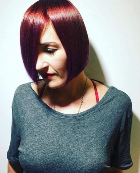 Hair being coloured by using L'Oreal and Pravana to do a colour melt by Mark at the klinik hairdressing London EC1R 4QE