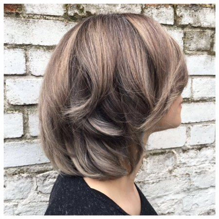 Hair been balayaged grey using Olaplex by Thea at the klinik hairdressing