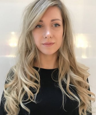 Reverse balayage to break up a block colour to give a more textured finish by Thea at the klinik hairdressing London