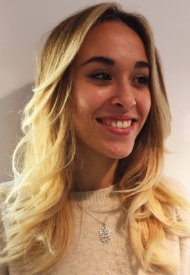 Beach blonde using a foilyage technique to get it as blonde as possible