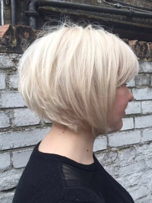 Volum bob using Redken volume range High Rise done by Thea at the klinik London
