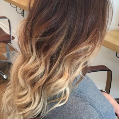 Hair Balayage from soft brown to blonde tips at the klinik hairdressing
