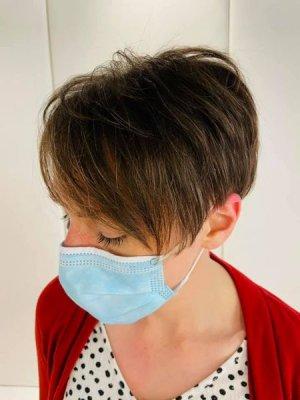 Short hair by Anna at the klinik salon EC1